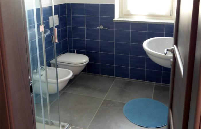 Bagno In Camera Piccolo : Arredamento bagni piccolo foto youtube